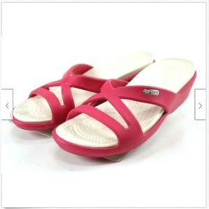 Crocs Women's Slide Sandals Size 6 Fuchsia